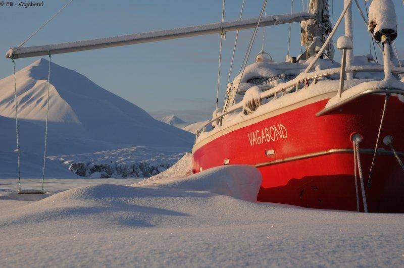 vagabond,voilier polaire,aventures,famille,groenland,arctique,tf1 reportage,film,katia chapoutier,eric brossier,france pinczon du sel,le passeur éditeur,banquise,rêves