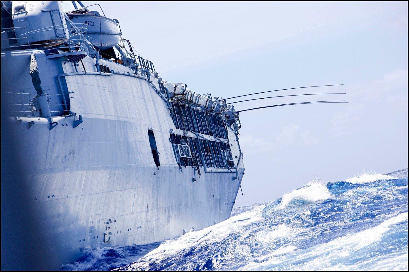 bateau,patrimoine,navire,marine nationale,bateau-ambassade,bateau-école,bateau-opérations,r97,la jeanne,christophe géral,stéphane dugast