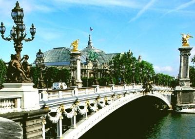 paris-pont-alexandre-III-resize.jpg