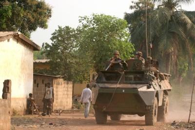 en-cote-d-ivoire-l-operation-licorne-ne-compte-plus-que-966-militaires.jpg