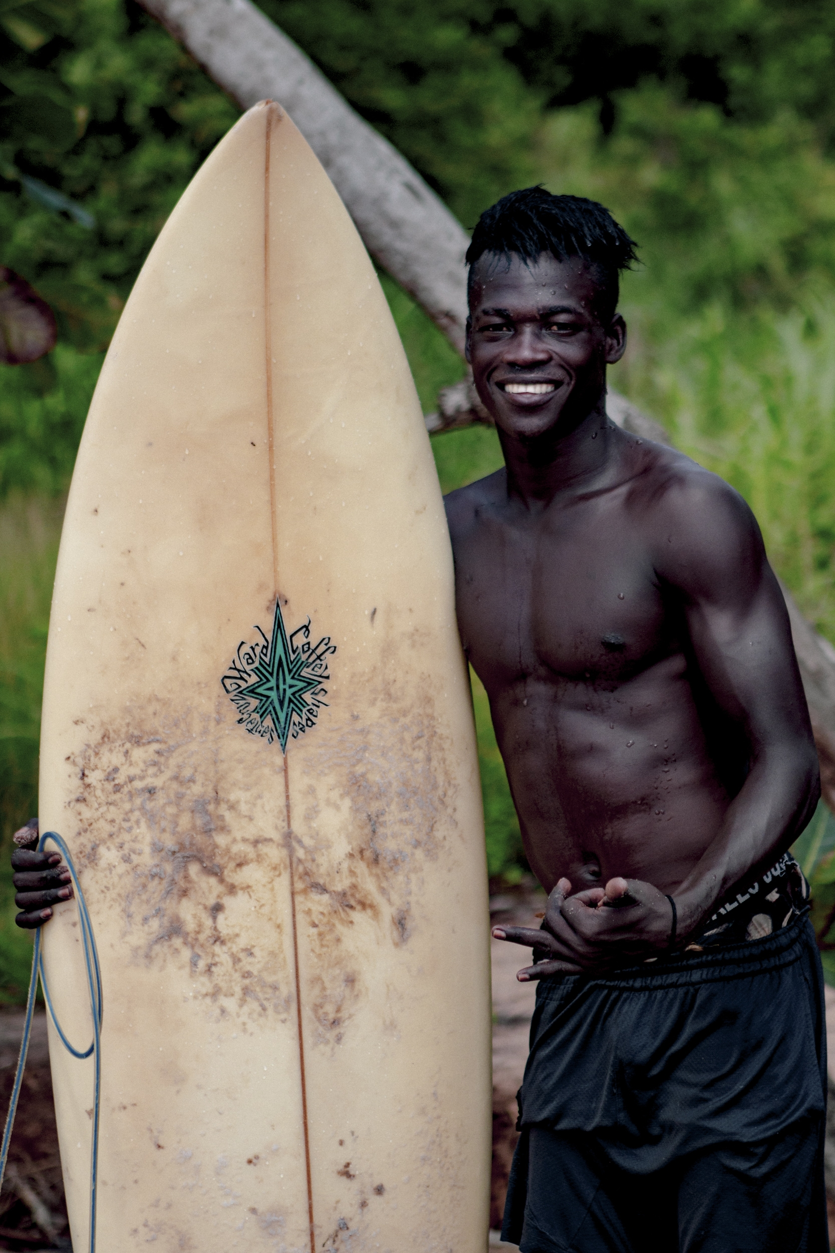 film documentaire, Liberia, surf, mukune, damien castera, arthur bourbon