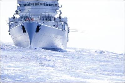 bateau,mer,océans,porte-hélicoptères,jeanne d'arc,jeanne,la jeanne,marins,marine nationale,bateau-école,officiers,bateau-ambassade,mythe