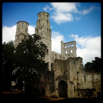 jean gaumy,agence magnum,la tentationdu paysage,photographie,jumièges,abbaye,normandie