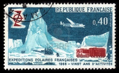 15132766-france--circa-1968-timbre-imprime-par-la-france-montre-expeditions-polaires-francaises-a-consacre-vi.jpg