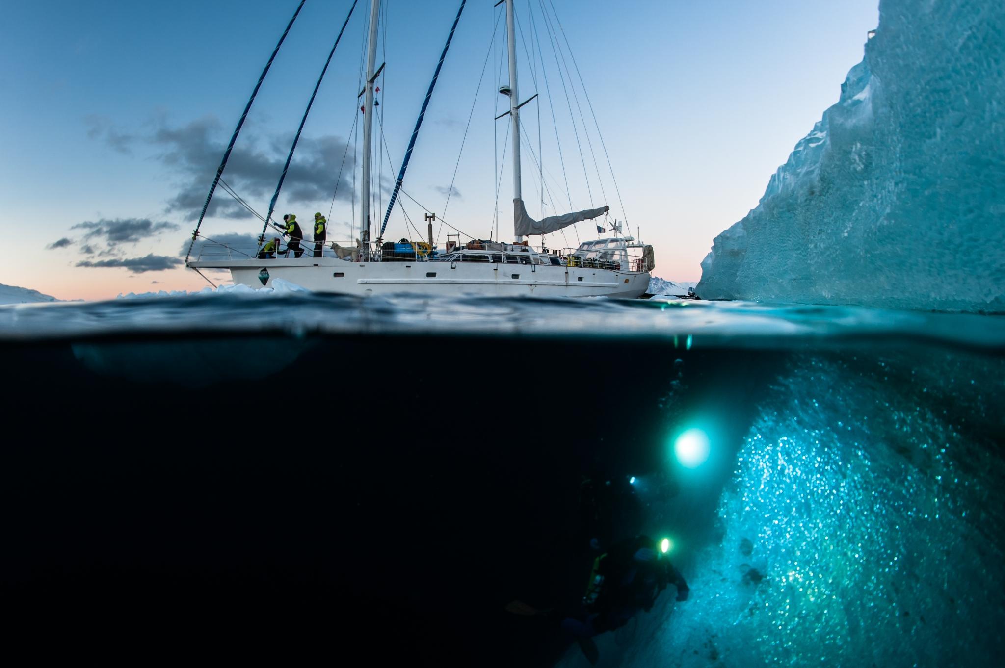 under the pole 3, Ghislain Bardout, Emmanuelle Perié, aventure, polaire, expédition, plongée, glaces, , agence zeppelin geo, arctique, navire, why, voilier,antarctique