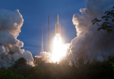 espace,cnes,études spatiales,lune,satellite,sciences,neil armstrong,1961,fusée,challenger,décollage,centre national d'etudes spatiales